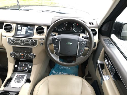 2013 Land Rover Discovery 4 HSE SDV6 dash