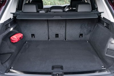 Mighty VW Touareg Boot