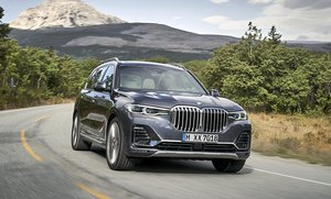 The BMW X7 NS Front